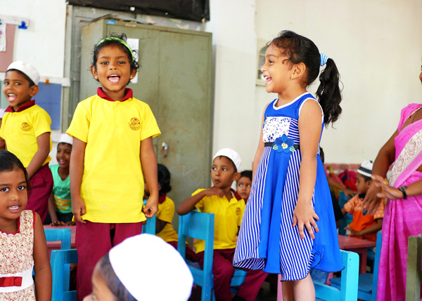 SERVE-Sri-Lanka-Youth-Volunteer-Art-Music-Sports-Singing-in-pre-school