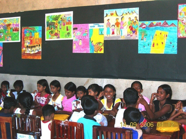 Group picture of Sapala Children in Sri Lanka